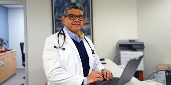 Dr. Diaz, our Spanish speaking doctor at Community Care Family Medicine.